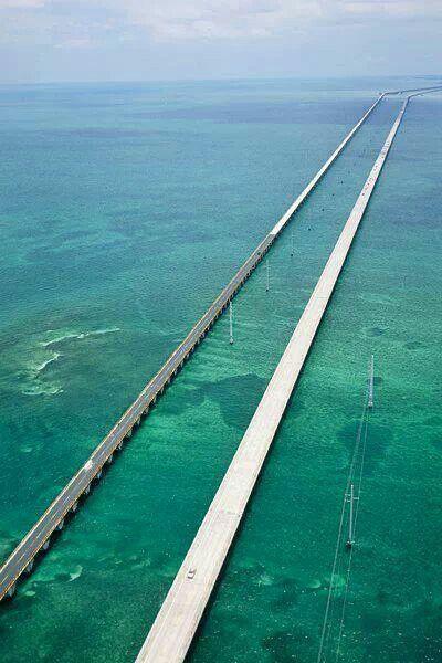 Seven mile bridge to Key West, Florida