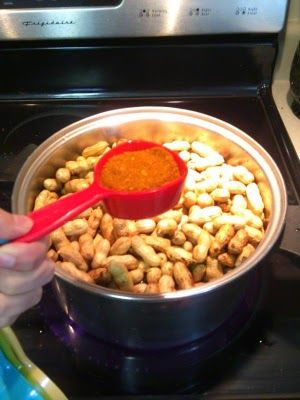 Football snack recipe: Salted and Cajun boiled peanuts!