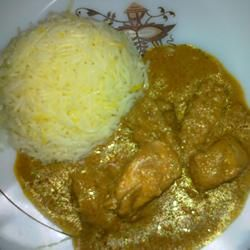 This Sri Lankan chicken curry recipe is hot and full of flavor from tamarind, roasted spices, and coconut milk. Serve with basmati or jasmine rice.Fun Recipe, Jasmine Rice, Chicken Curries Recipe, Coconut Milk, Sri Lankan, Chicken Curry, Lankan Chicken, Curry Recipes, Roasted Spices