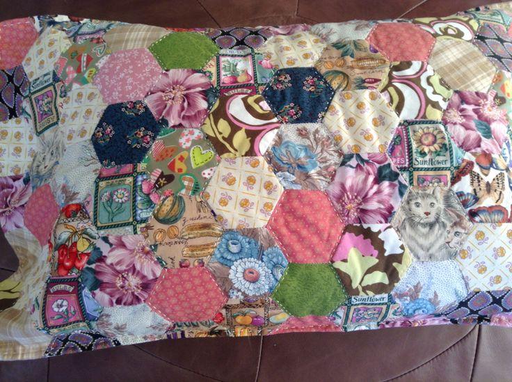 Hexagon cushion - epp