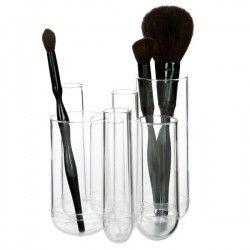 Tubo organizer. Lækker akryl organizer, som består af 7 rør i forskellige størrelser der sidder sammen.  Kan bruges til opbevaring af fx makeup-børster, tandbørster, pensler og kuglepenne.  Farve: Klar akryl