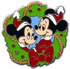 Walt Disney World Park Christmas Wreath Morty & Ferdy with Hidden Mickey Pin