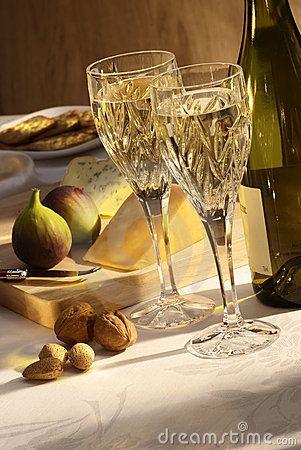 Placa de vino blanco y queso