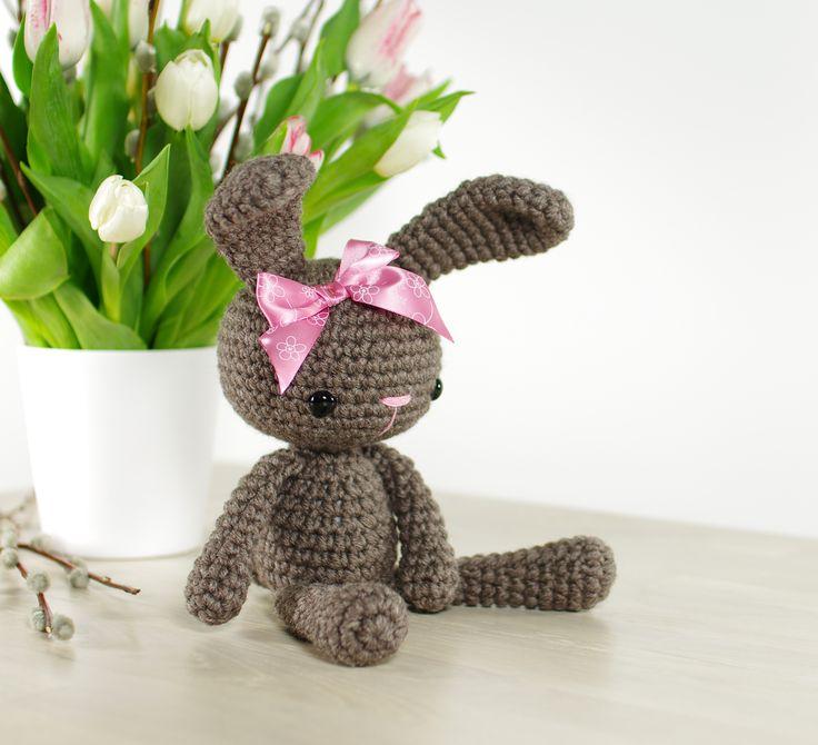 Small Amigurumi Bunny Pattern : Free crochet pattern: Small amigurumi bunny // Kristi ...