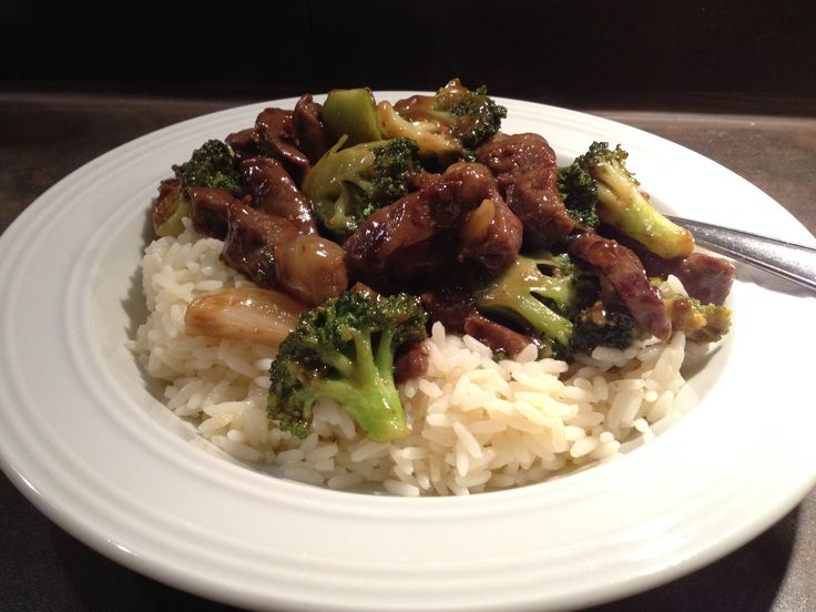 Asiatische Rindfleisch-Brokkoli-Pfanne // Beef and Brokkoli Stir-Fry