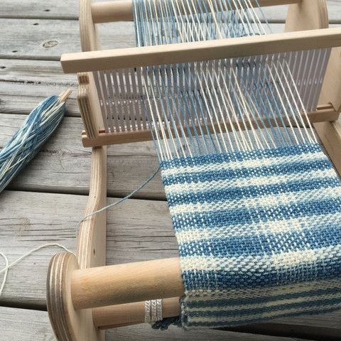 Rigid Heddle Weaving / cricket loom