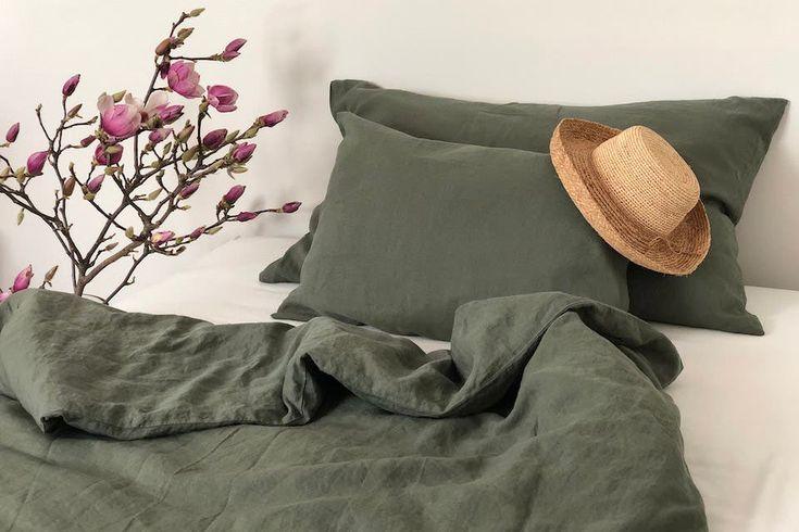 Leinen & Co.: Kühlende Bettwäsche für guten Schlaf im Sommer