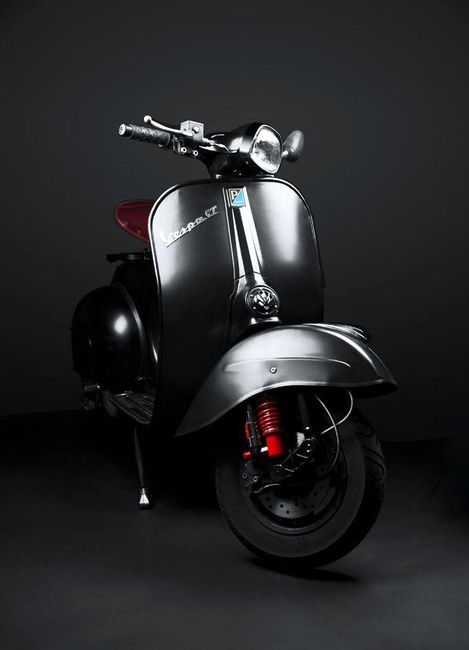 Vespas, el amor de la vida, del amor de mi vida. Se entendió?  PACKSHOT MOTORCYCLE | VESPA GT 125 by Kenyon Manchego