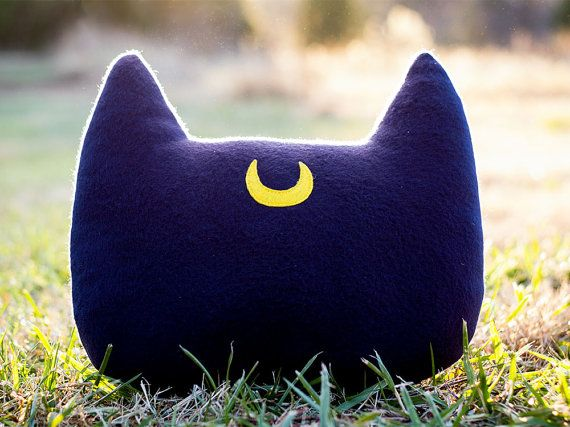 Hey, I found this really awesome Etsy listing at https://www.etsy.com/listing/213468126/sailor-moon-luna-inspired-cat-head