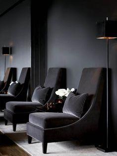 See more midcentury modern black interior design inspirations at http://essentialhome.eu/