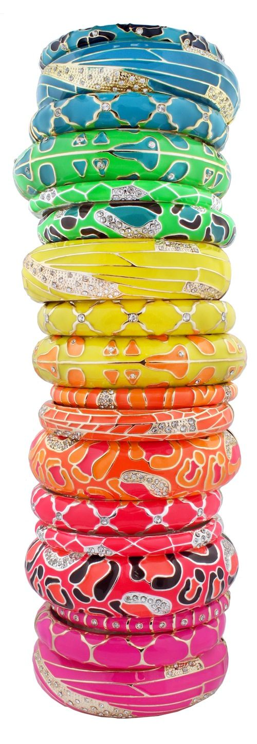 Amazing rainbow-colored stack of bangles   ♥✤   Keep the Glamour   BeStayBeautiful