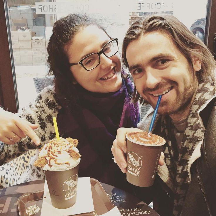 Un rico   para elevar la adrenalina para seguir andando por las calles de #Francia.  #cafe #coffee #shop #travel #way #winter #hot