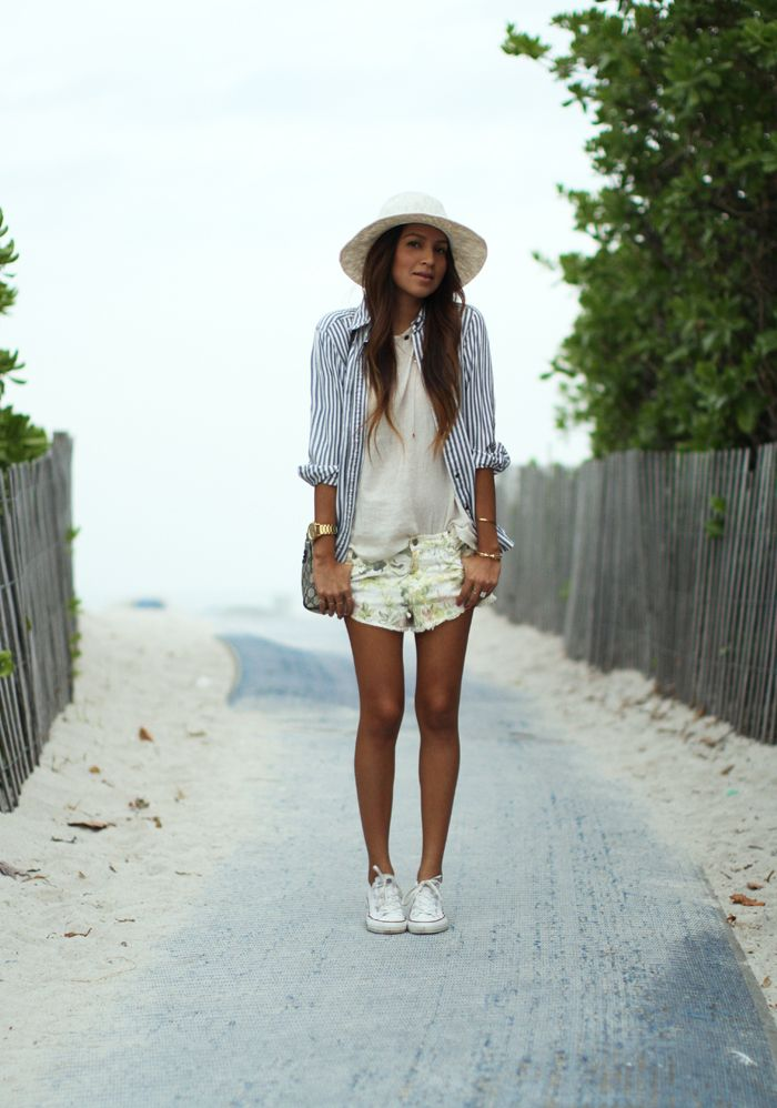 Cute beachwear! I'm starting to dig the strips/floral combo especially with a muted floral like this one. (From Sincerely, Jules)