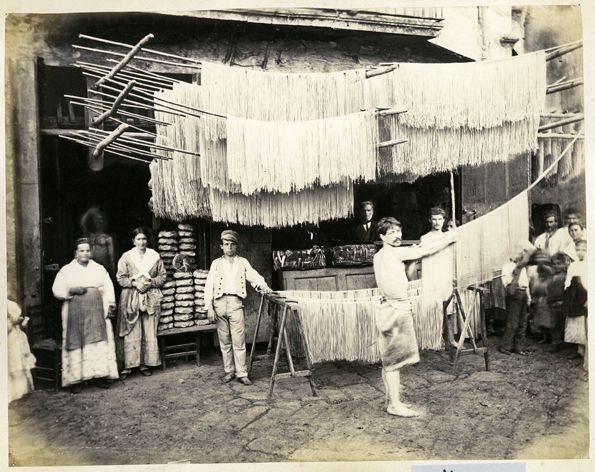 ITALY. Napoli - fabbrica di maccheroni, 1890