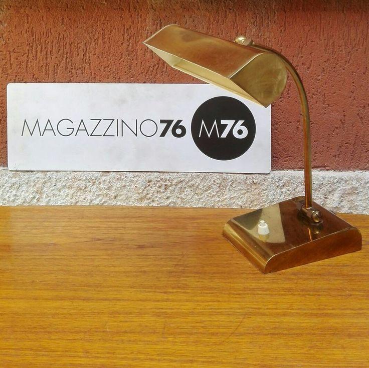 Lampada ministeriale in ottone 1950 Funzionante e ben conservata.  Disponibili 4 pezzi.  #magazzino76 #M76 #viapadova76 #modernariato #antiquariato #vintage #design #ministeriale #lampade #ottone #lampadeanni50 #lampadedesogn #perfettecondizioni #solocoseoriginali #anni50 #designanni50 #oggettidarte #illuminazione #lamp #italiandesigner  #italiandesign