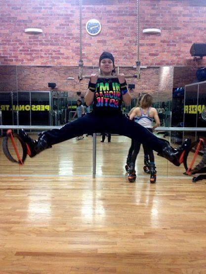 Actitud, habilidad y fuerza! buen salto participante en #MiMejorSalto