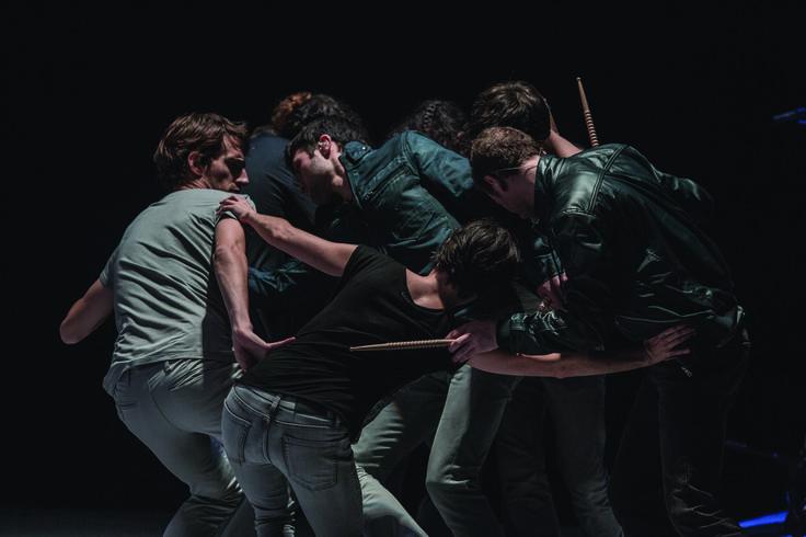 """Demcracy: """" Tanz, wie man träumt ihn zu erleben: die Musik umfangend, sich mit ihr vermischend und öffnend zu ungezügelter Phantasie."""""""