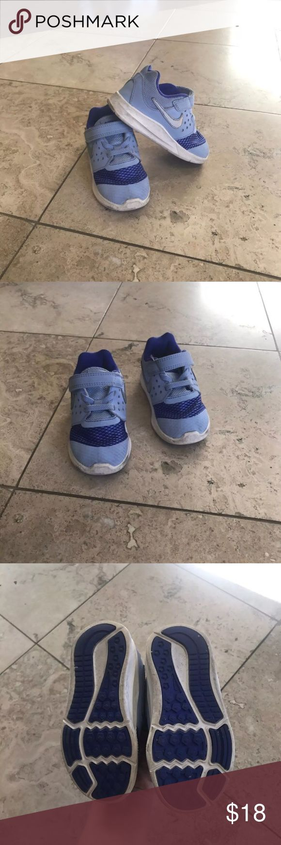 Nike kids shoes In good pre owned condition. Unisex size 7 Nike Shoes Sneakers