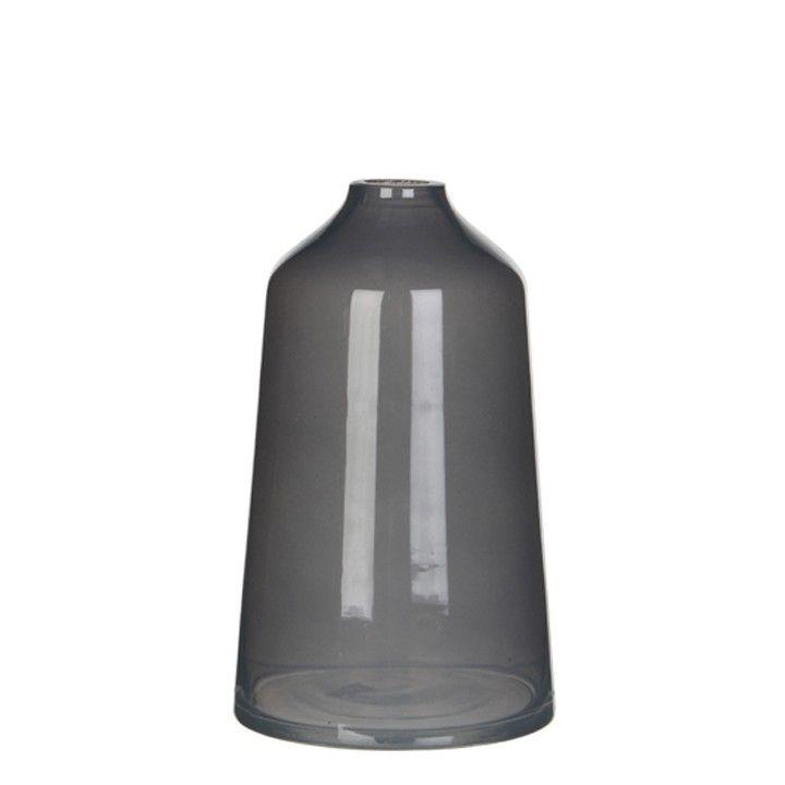 Een grijze gladde vaas. #intratuin