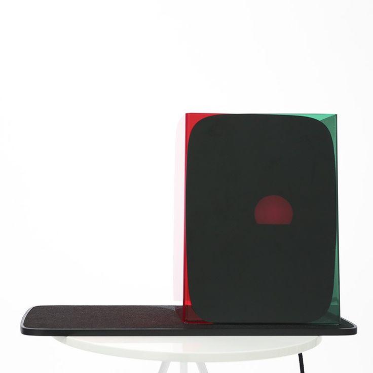 Lampe modulable à poser en PMMA - synthèse soustractive des couleurs - lamp-design - DesignezVous.com