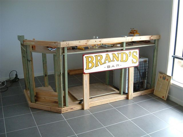 https://i.pinimg.com/736x/18/77/98/18779827c23009cf855b14bb22d8aaa0--diy-home-bar-diy-bar.jpg