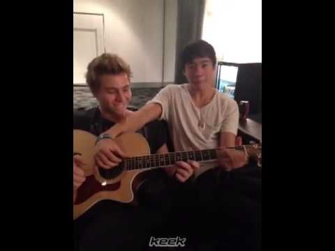 Hi I'm Calum & I'm Luke, and this is our audition - 5 seconds of summer ...
