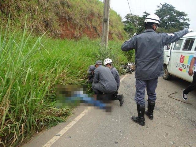 Acidente entre Kombi e moto deixa vítima fatal na estrada Muriaé-Miraí