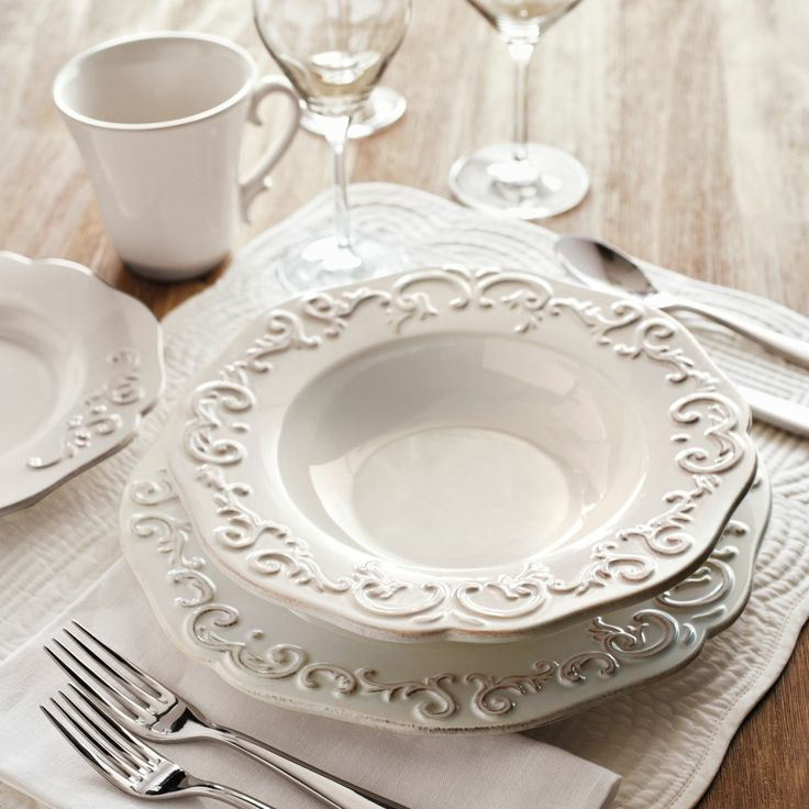 19 best everyday dinnerware images on pinterest dinner ware dinnerware and dish sets. Black Bedroom Furniture Sets. Home Design Ideas