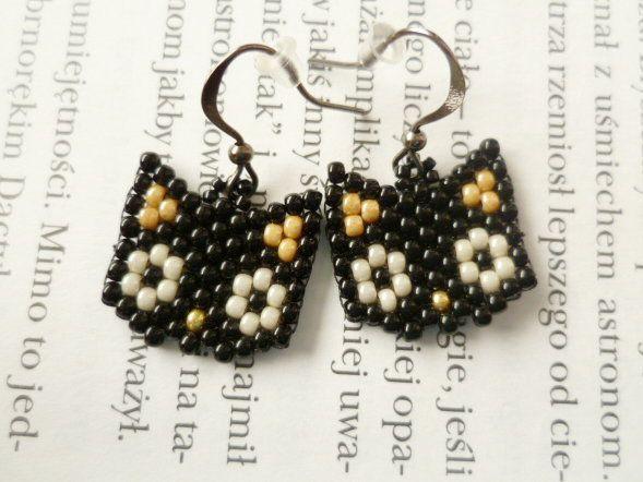Kolczyki kocie pyszczki :) #earrings #cats #kittens #kitty #brickstitch http://niezwyklaprojektownia.blogspot.com/