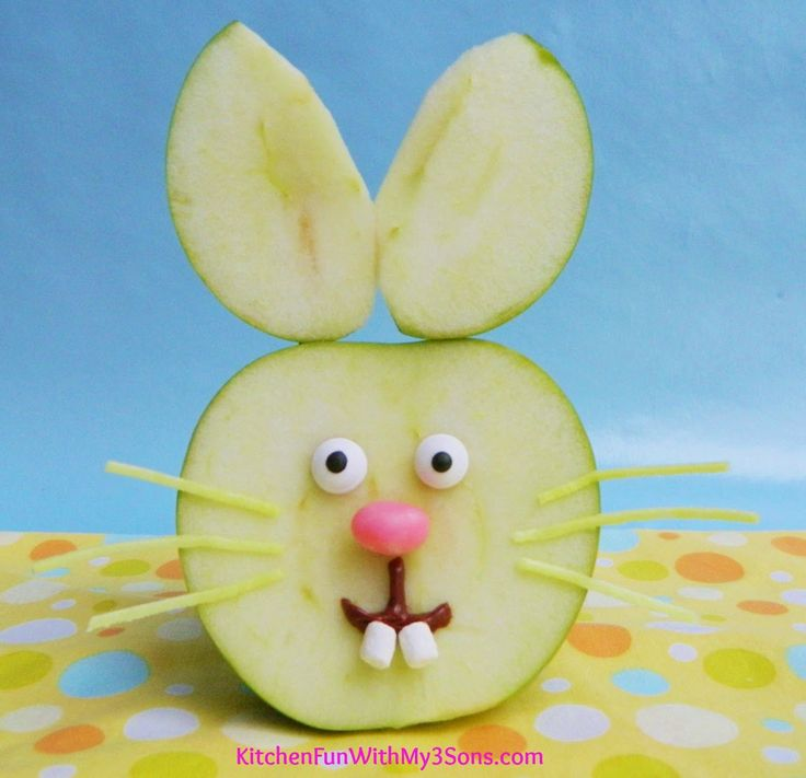 Easter Bunny Apple Fruit Snack...so easy to make & a huge hit with the kids!