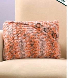 Easy to Crochet Envelope Pillow - Free Crochet Pillow Pattern \u003c-- (I would just change the color maybe but a big bow instead of buttons but super cute ... & 15 best III. BEDDING AND PILLOW STYLES -40. ENVELOPE CLOSURE ... pillowsntoast.com