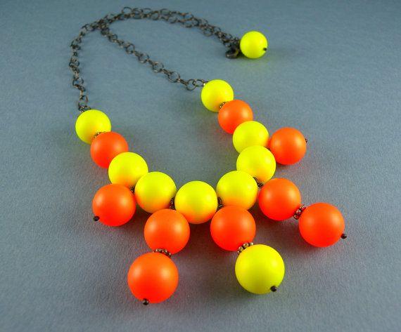 Neonorange und gelb Swarovski Perle Bib Halskette und Ohrringe