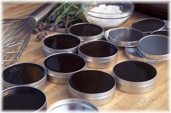Black Salve Recipe  By Juliana Robertson, eHow ContributorBlack salve, or drawing salve, is an old-fashioned remedy used to draw toxins from skin. It is typically used as a topical ointment to treat boils abscesses, bee stings, skin infections and splinters. Black salves containing blood root (cansema) have been applied to skin tumors for removal. Blood root is poisonous and cannot be consumed internally. People have used the blood-root salve on skin as a cancer treatment. There has been no