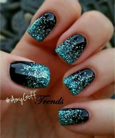 Nail art bleu  et bleu marinz