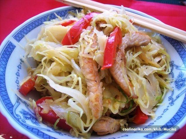 Salata od kineskog kupusa i piletine by Mucika