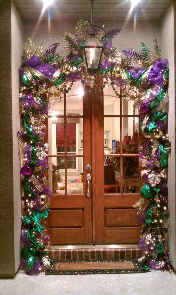 .Beautiful, festive front door!!!