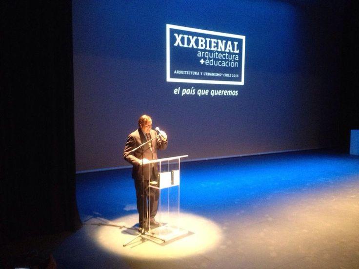 Fernando Marín, Curador de la #XIXBienal haciendo un llamado al #patrimoniosigloxxii en ceremonia de Inauguración