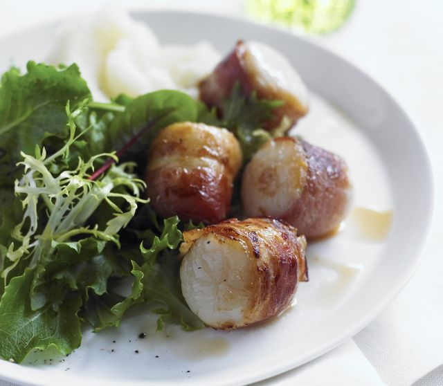 Broiled Bacon-Wrapped Scallops: Bacon Wrapped Scallops