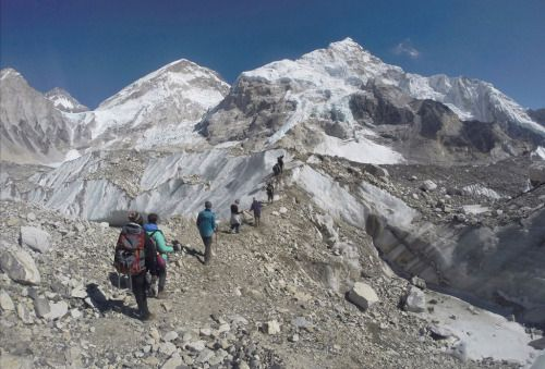 [VIDEO] Un cementerio el monte Everest | Más de 100 cuerpos -...