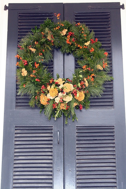Wreaths of colonial williamsburg wreaths of colonial for Williamsburg craft house catalog