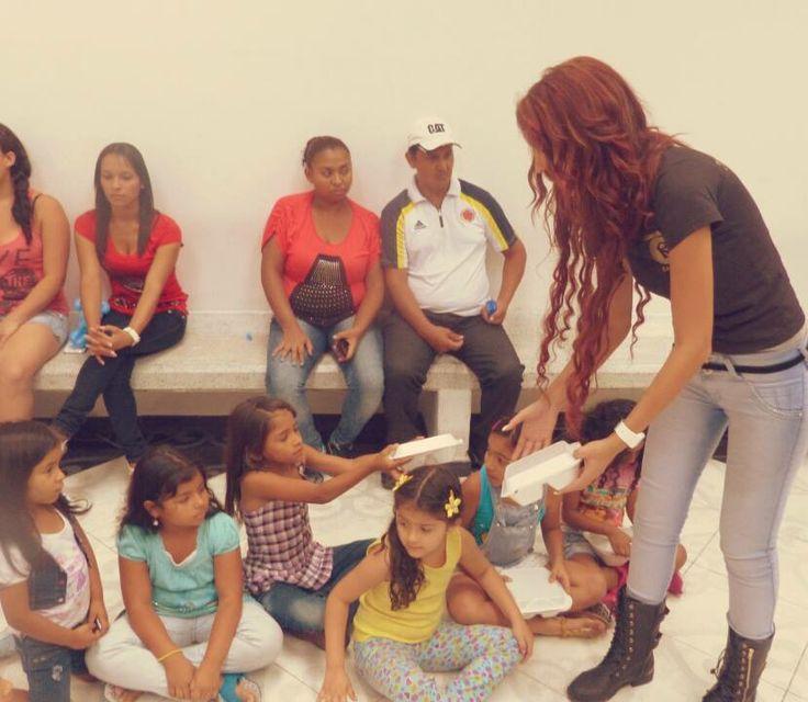 """Role """"Modeling""""   Colombian Cuties  #timetomakeachange"""