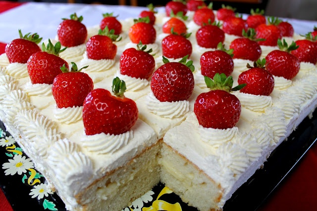 Canada Day Cake (tip about adding instant pudding to whipping cream to stabilize it, and recipe for custard filling)