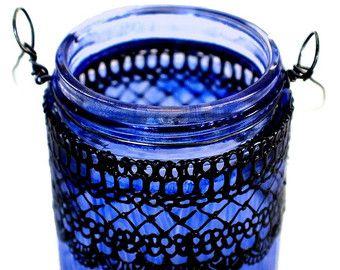 Pequeño colgante frasco linterna inspirada en linternas marroquíes, bígaro vidrio con detalles en negro teñido