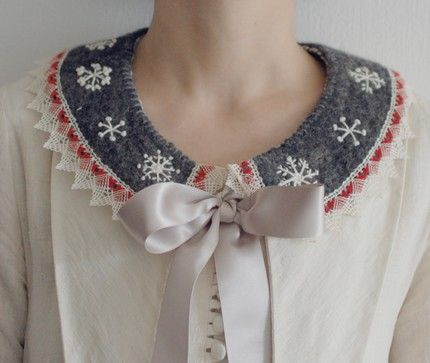 Doing It In Style: DIY felt peter pan collar necklace