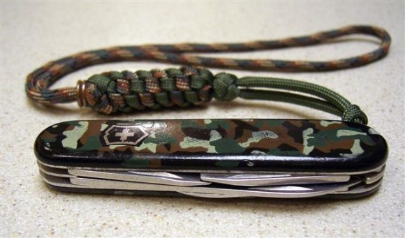 125 best images about paracord on pinterest snakes for Knife lanyard ideas