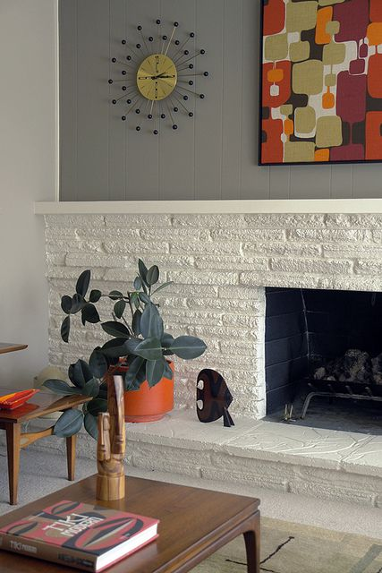 Living room fireplace detail - I wish this was in my home :)
