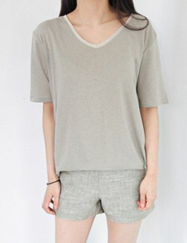 Today's Hot Pick :Linen V-neck T-Shirt http://fashionstylep.com/P0000VHS/vivaglam7/out High quality Korean fashion direct from our design studio in South Korea! We offer competitive pricing and guaranteed quality products. If you have any questions about sizing feel free to contact us any time and we can provide detailed measurements.