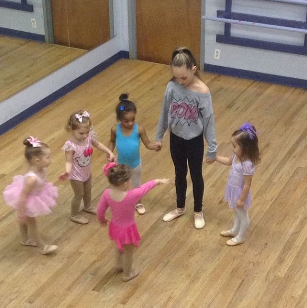 Maddie helping with a younger class☺️☺️☺️