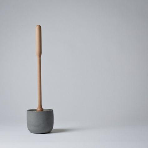 Mjölk : Concrete toilet brush