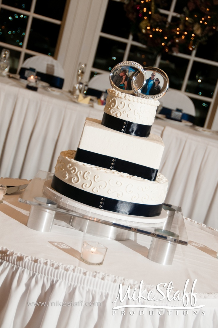 Or even this with the round && square cake!!